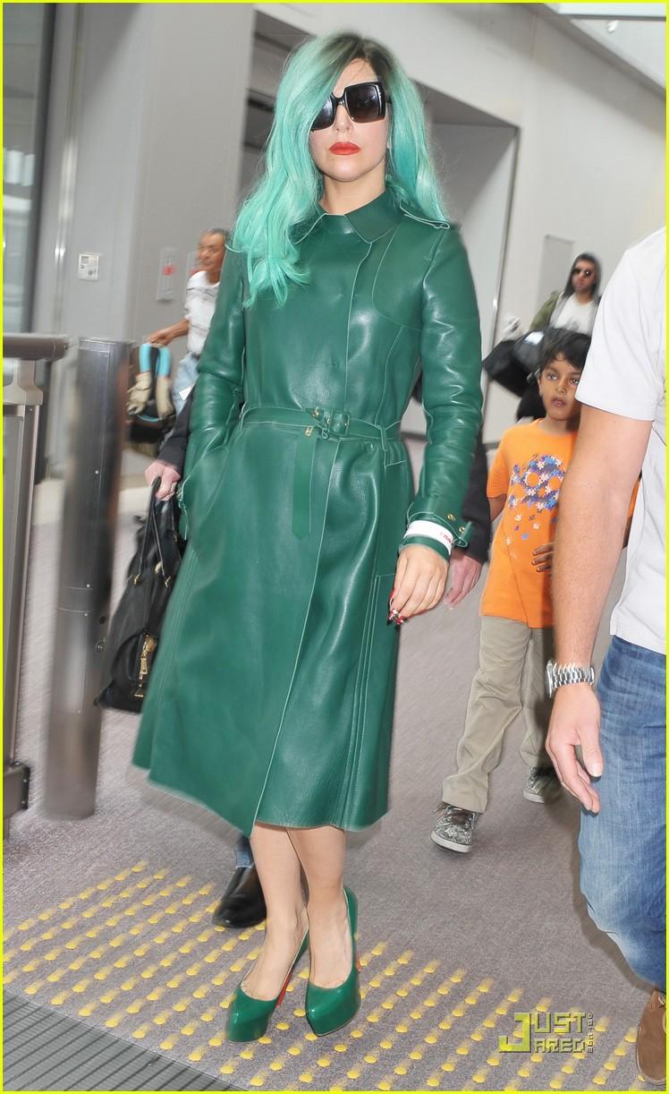 lady gaga arrives in japan 082554403