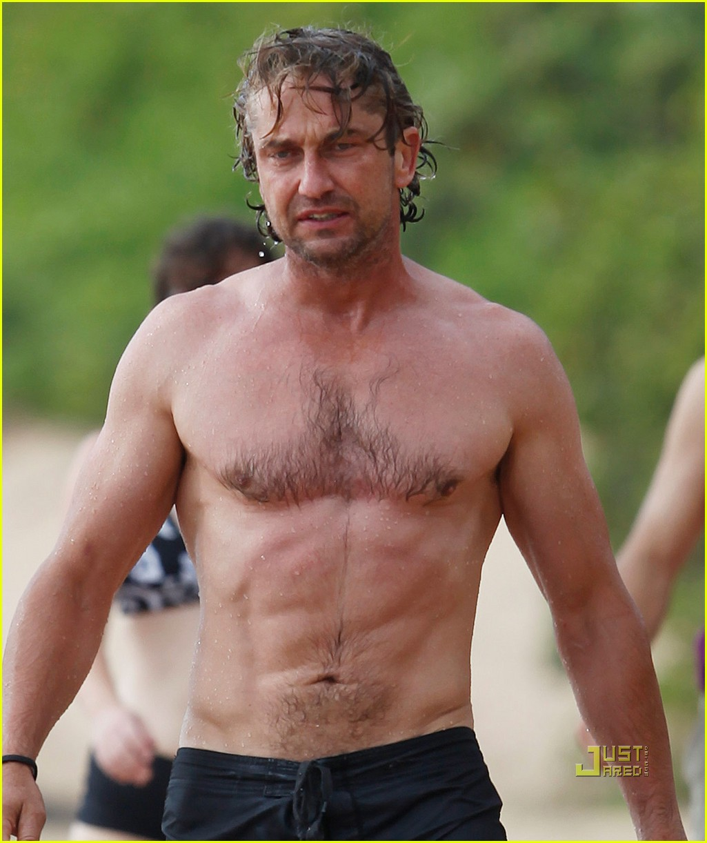 gerard butler shirtless surfing maui 06