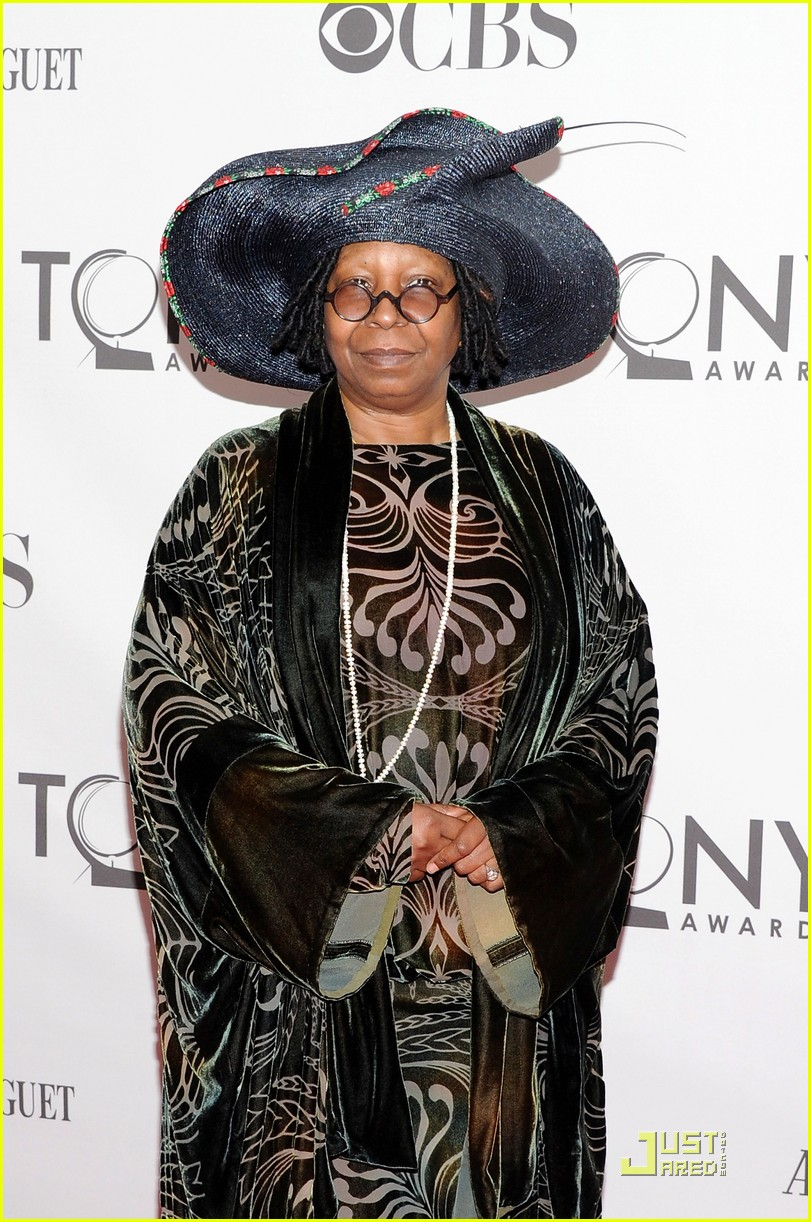 whoopi goldberg tony awards 2011 042551813