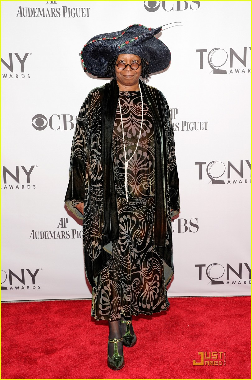whoopi goldberg tony awards 2011 05