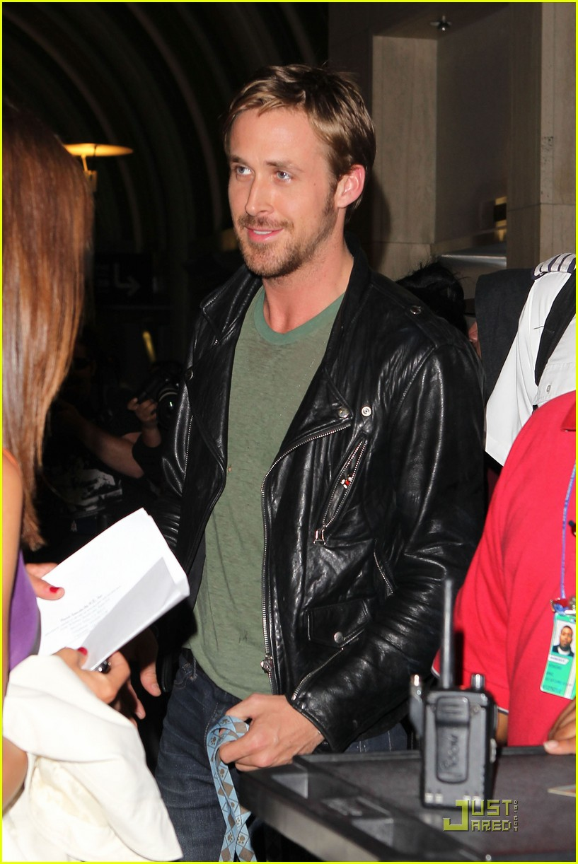 ryan gosling dog lax 02
