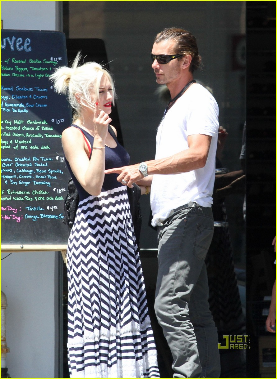 gwen stefani gavin kingston zuma checkup 02