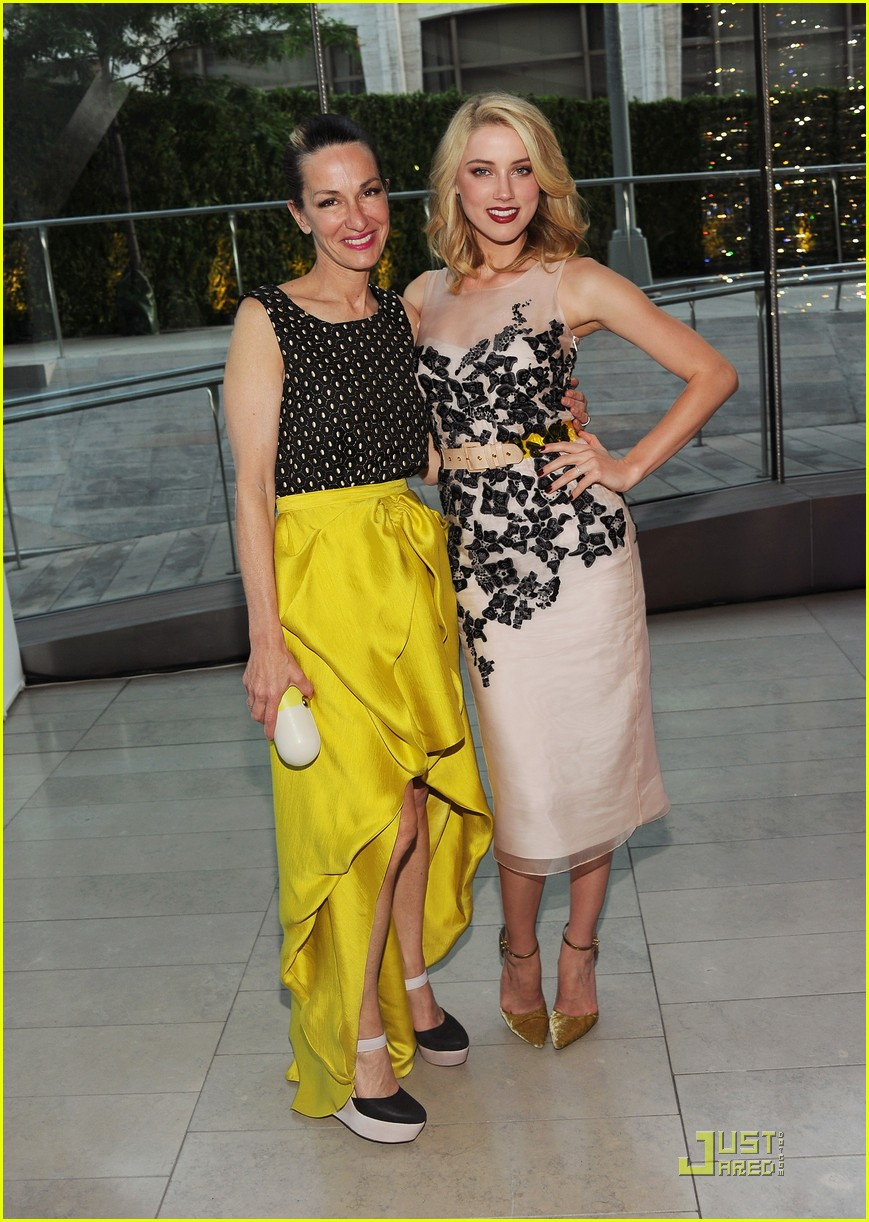 amber heard katie cassidy shenae grimes cfda awards 01