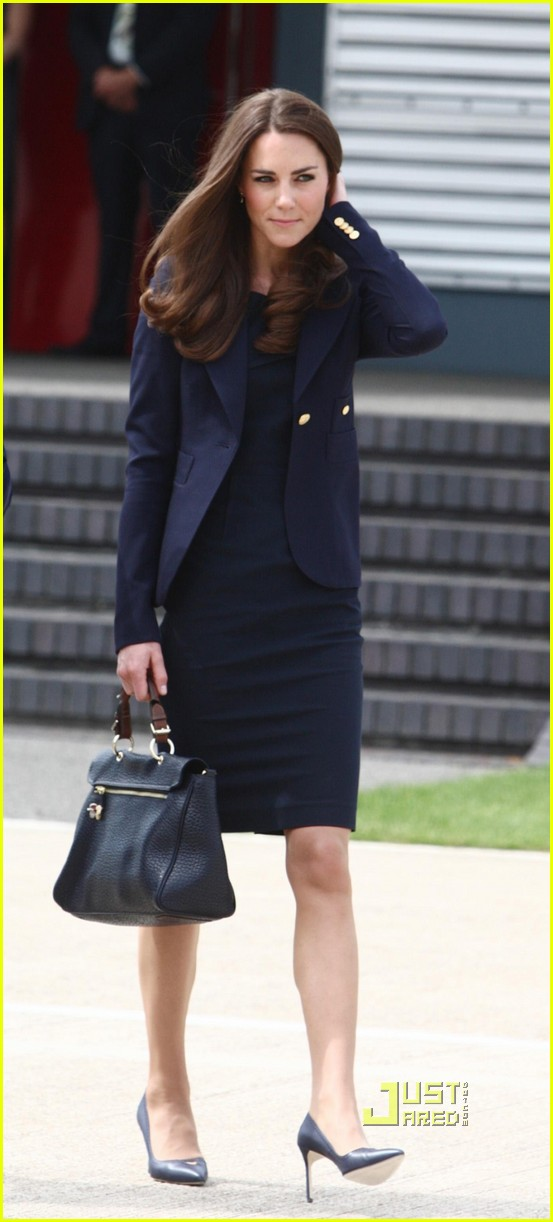 kate prince william fly to canada 02