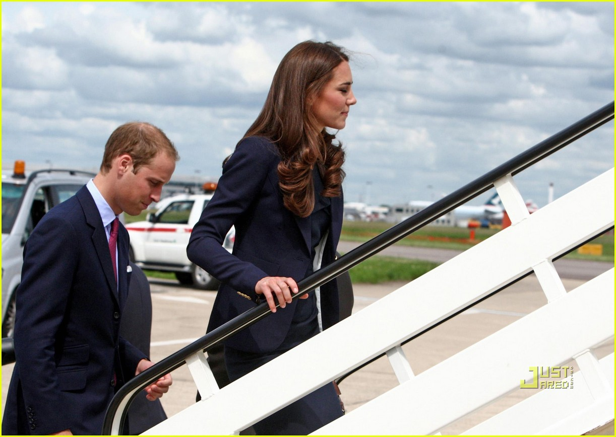 kate prince william fly to canada 05