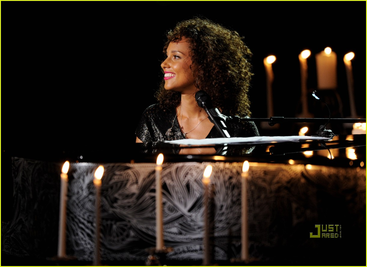 alicia keys pantages 082555487