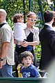 jennifer lopez park paris twins 04