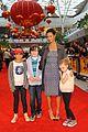 thandie newton kung fu panda 2 premiere with kids 09