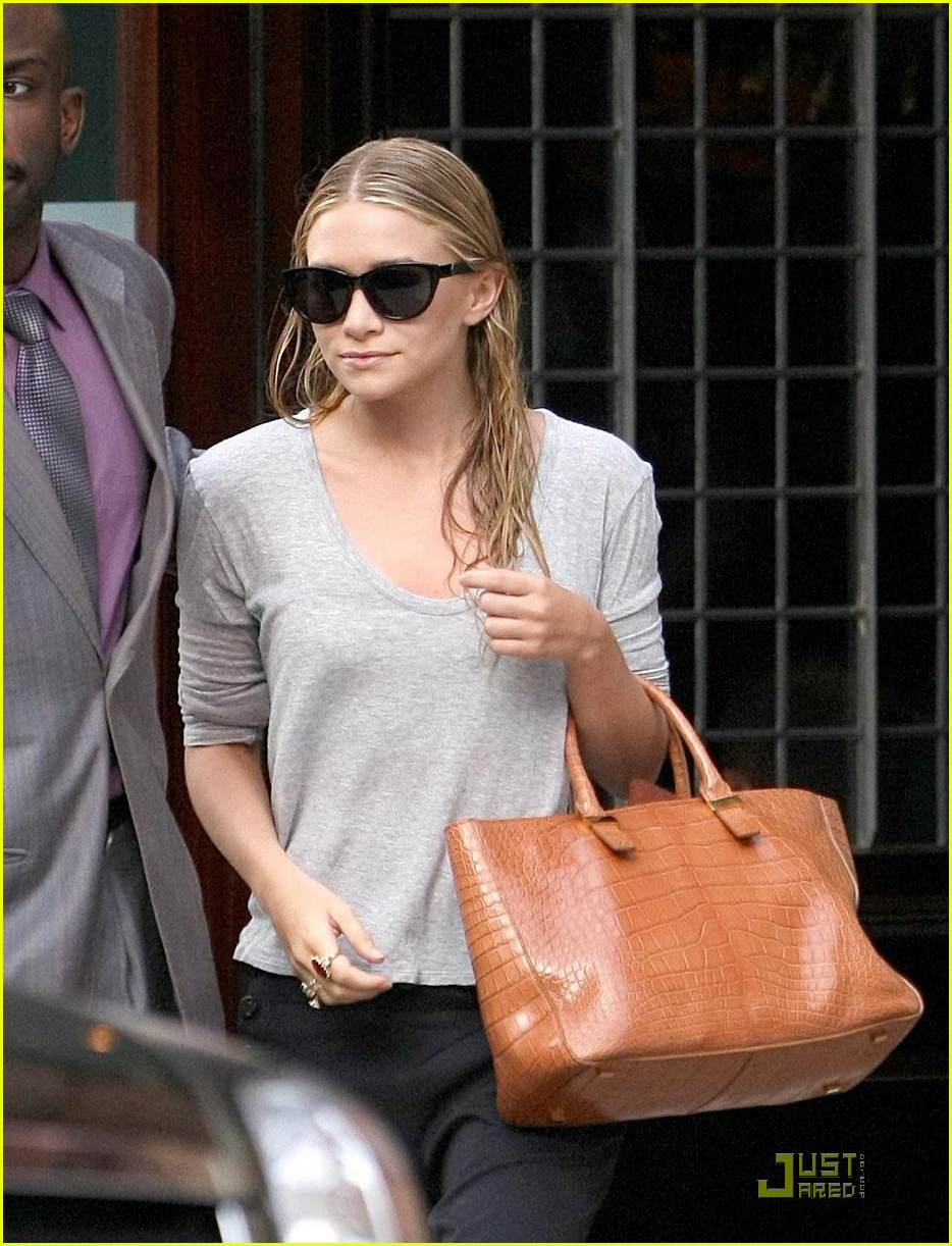 mary kate ashley olsen busy day in new york 04