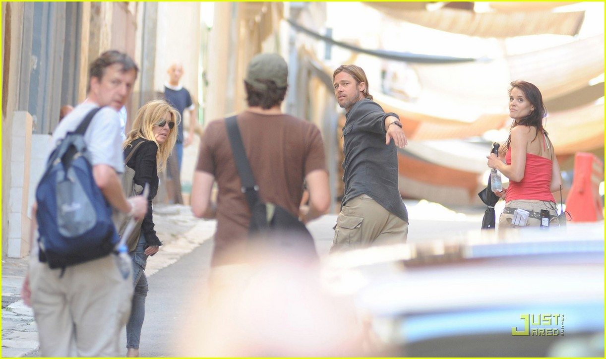 brad pitt world war z on set 06