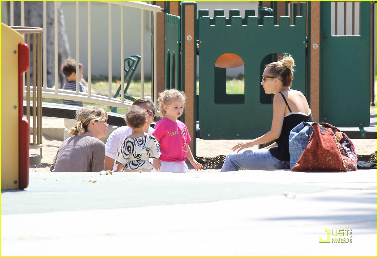 ellen pompeo stella playdate with nicole richies kids 02