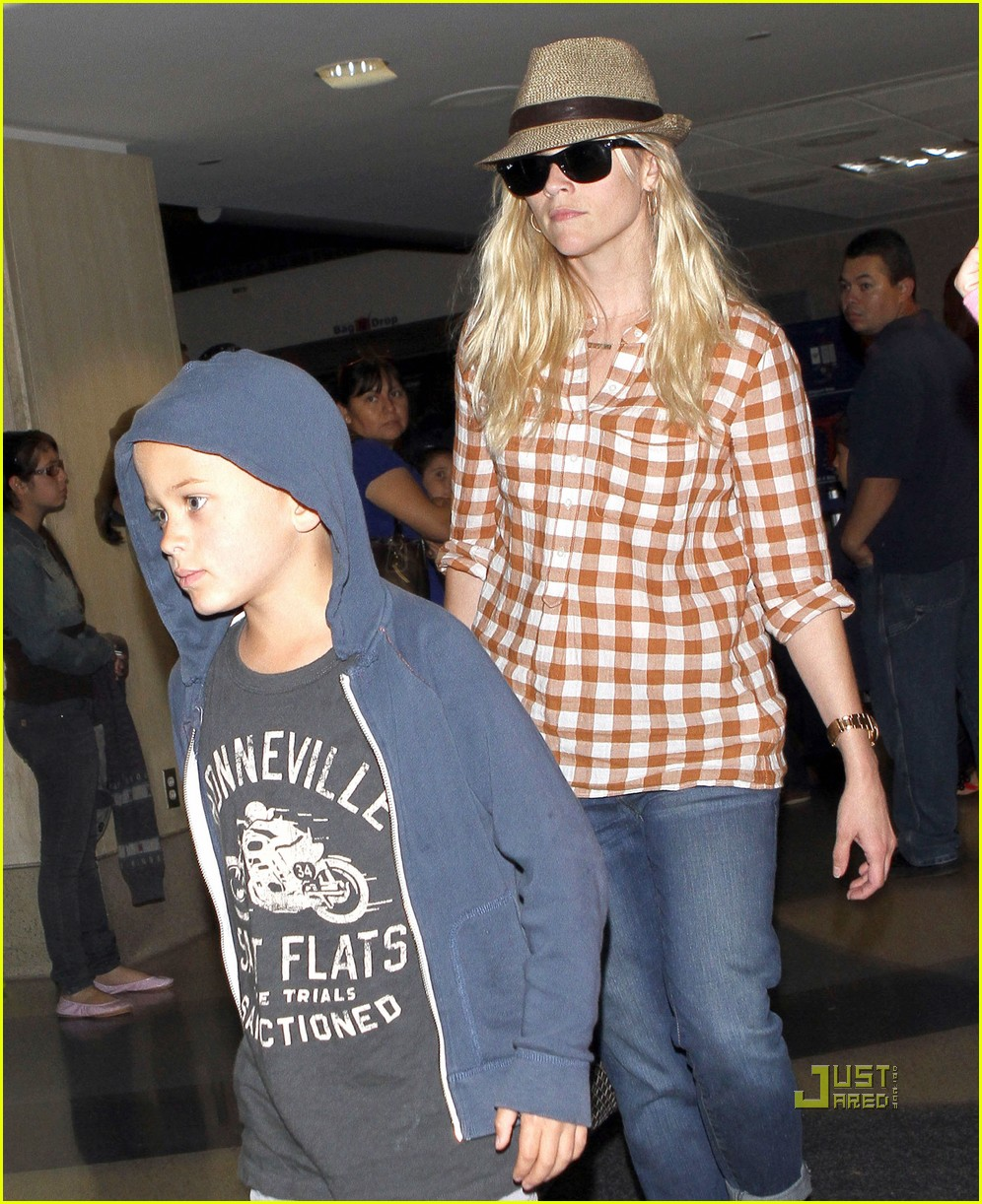 reese witherspoon deacon ava jim toth lax 052555851