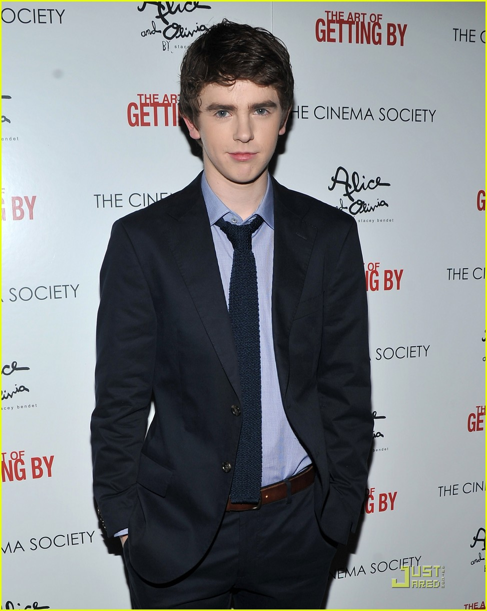 emma roberts freddie highmore art getting by screening 03