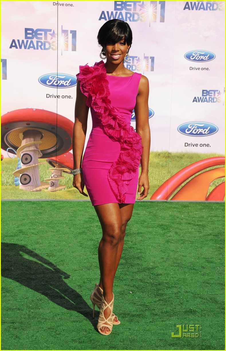 kelly rowland michelle williams bet awards 2011 012555761