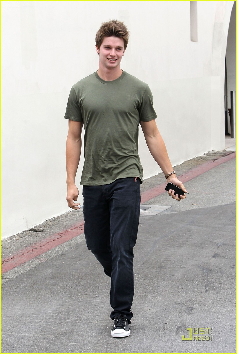 patrick schwarzenegger out lunch 10