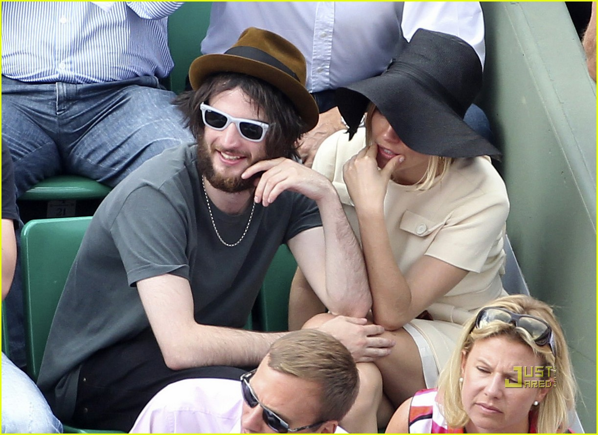 sienna miller tom sturridge french open 06