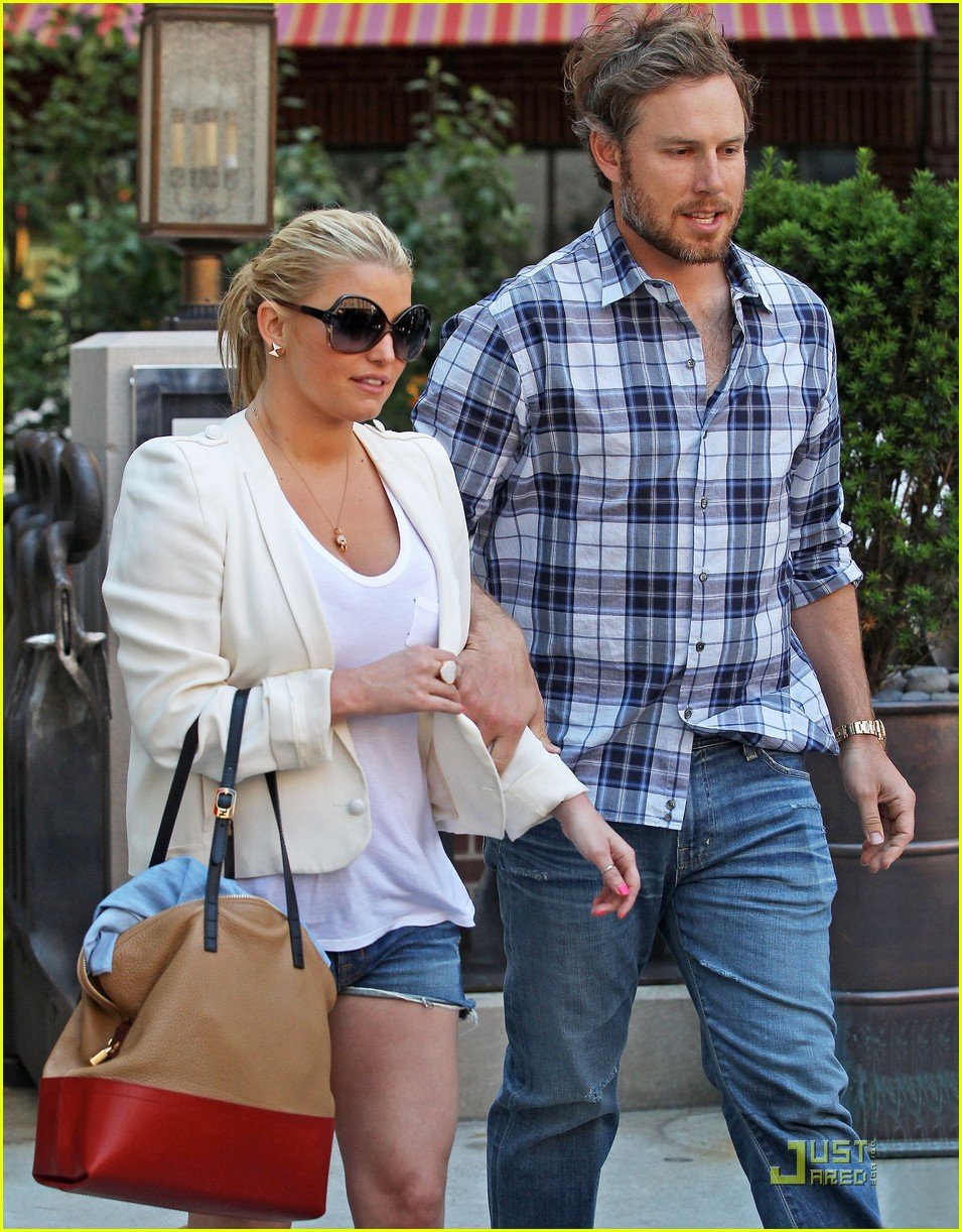 jessica simpson adopts eric johnsons dog 01