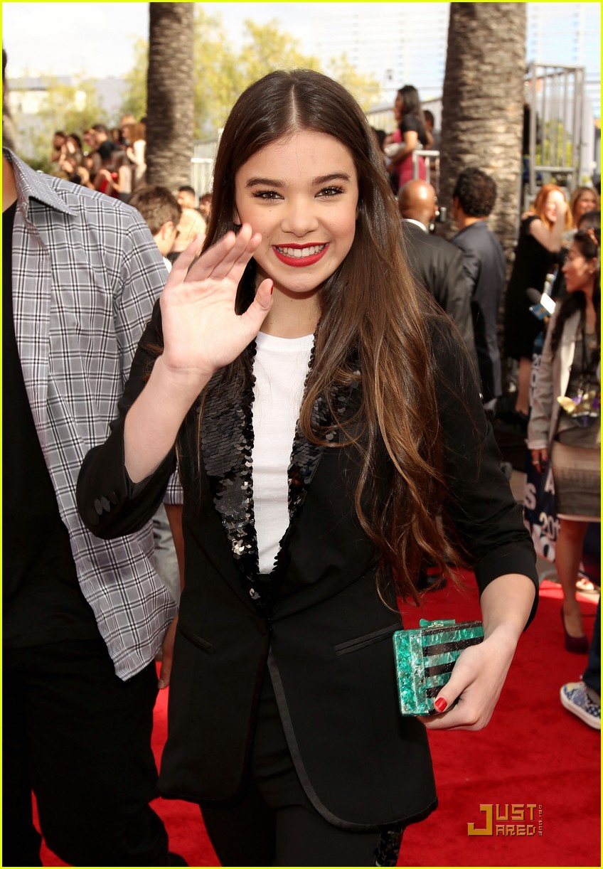 hailee steinfeld mtv movie awards 2011 02