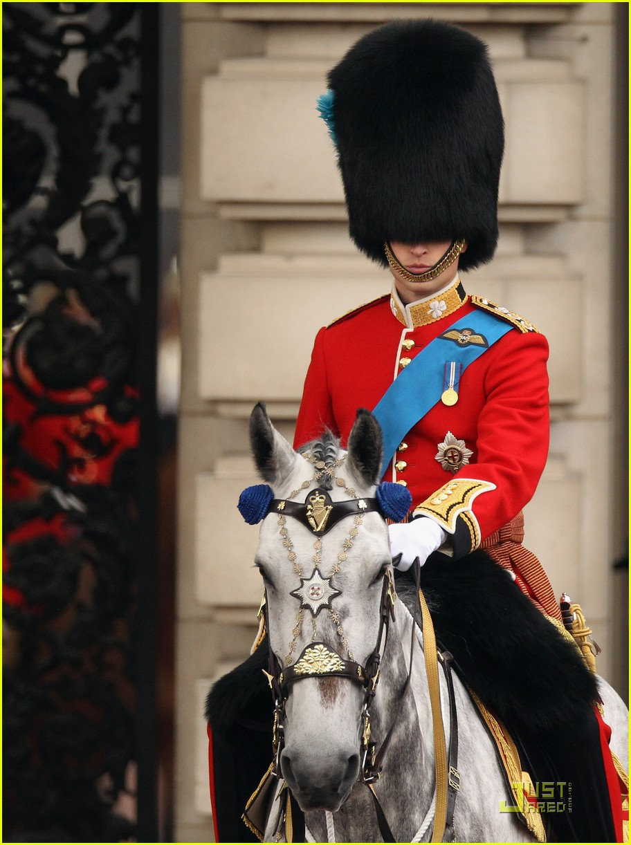 prince william kate middleton troopping colour 12