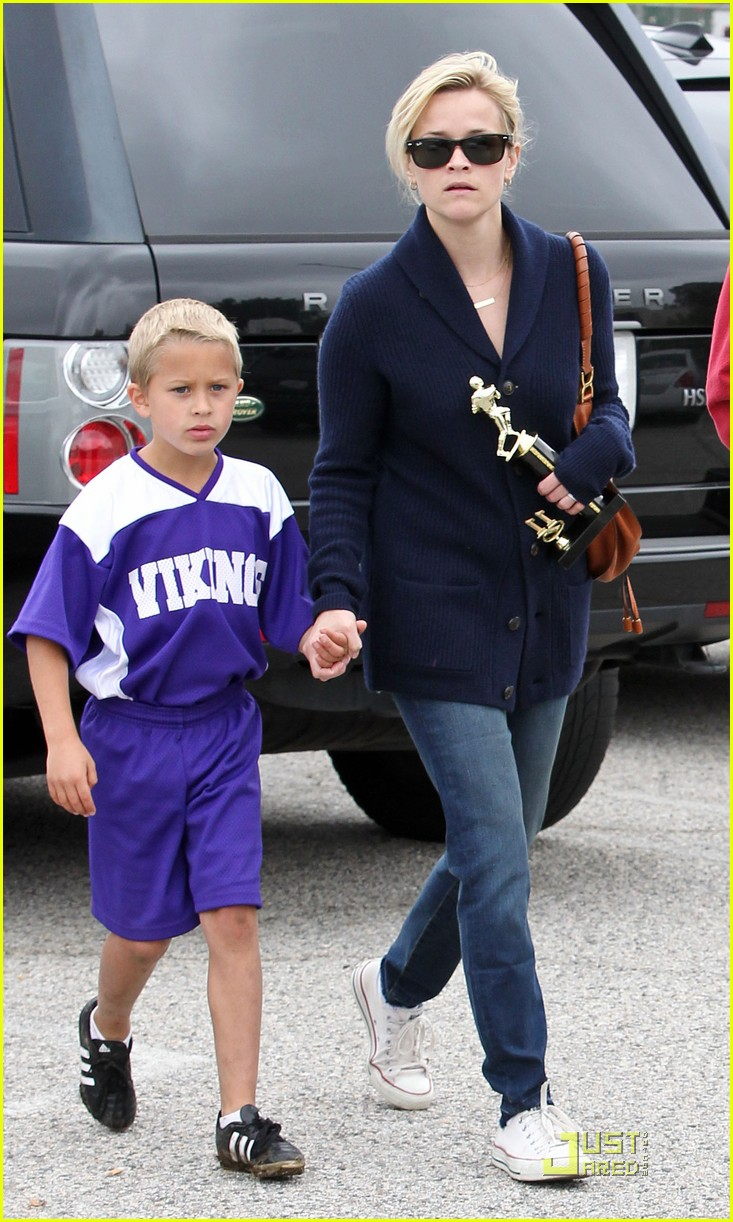 reese witherspoon deacons soccer game with ryan phillippe 122551648