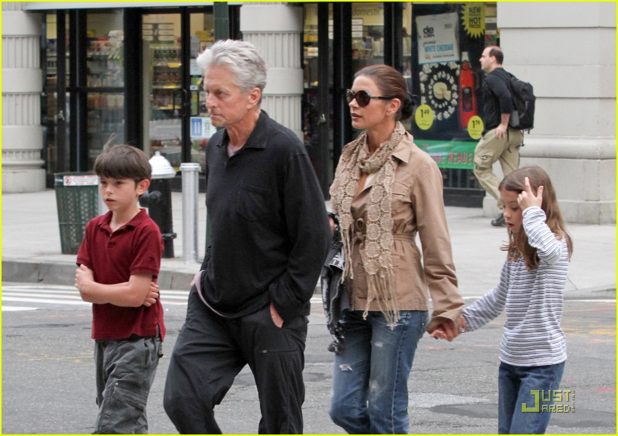 catherine zeta jones michael douglas family stroll 01