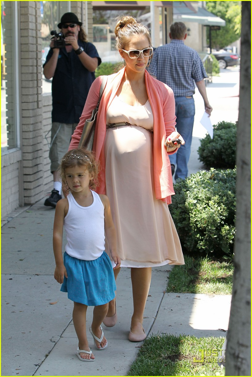jessica alba honor bel bambini baby shopping 042559007