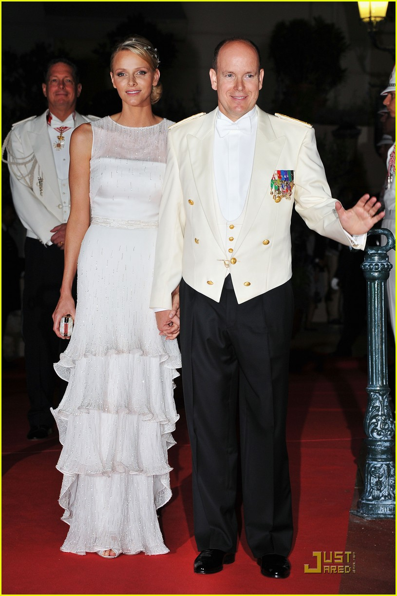 prince albert princess charlene wedding dinner fireworks 01