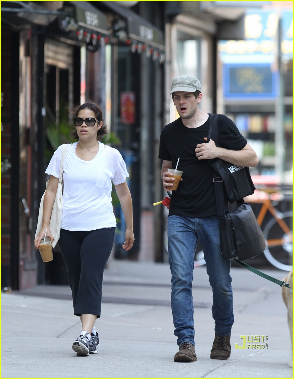 america ferrera ryan piers williams walking dog nyc 03
