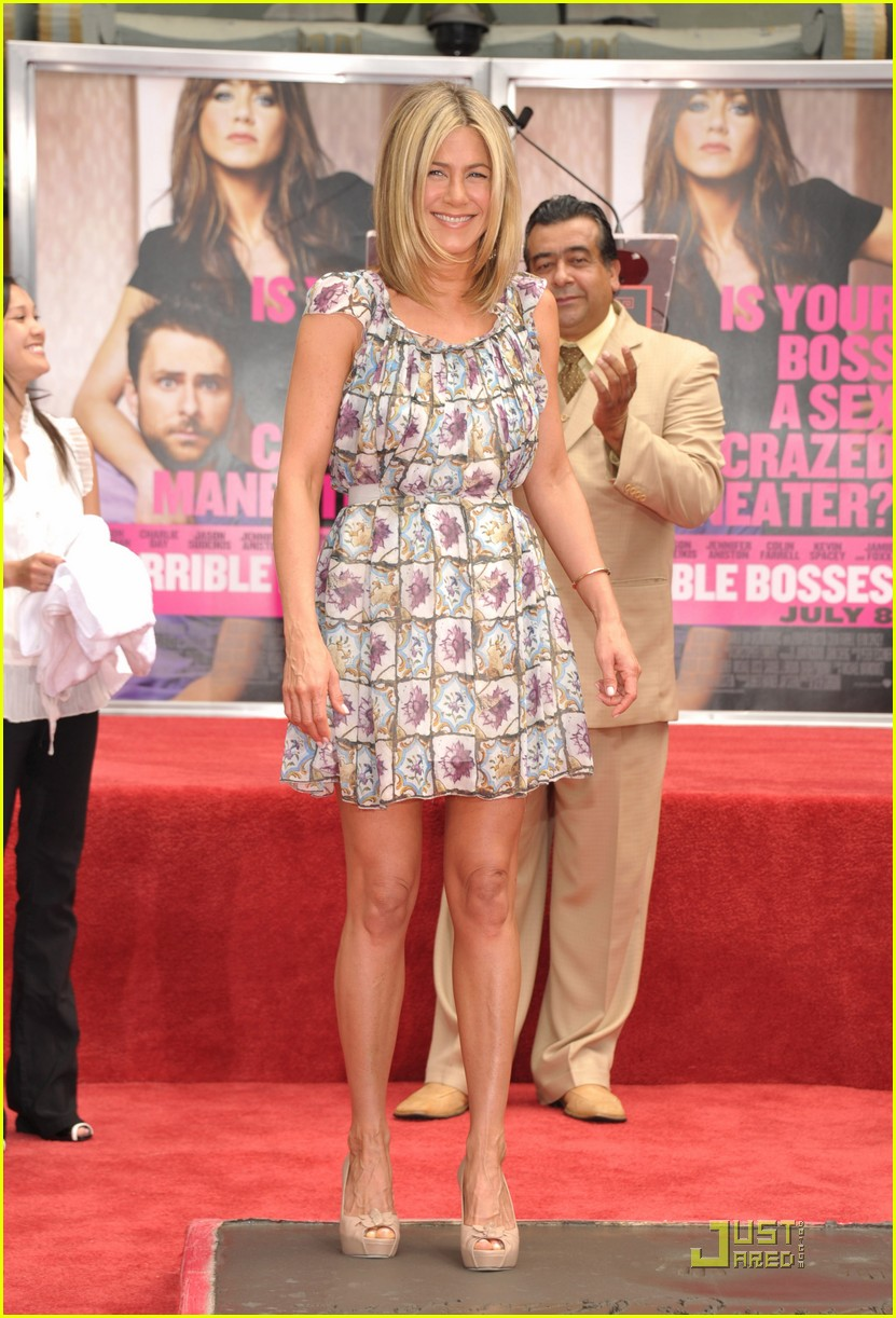 jennifer aniston handprint ceremony 02