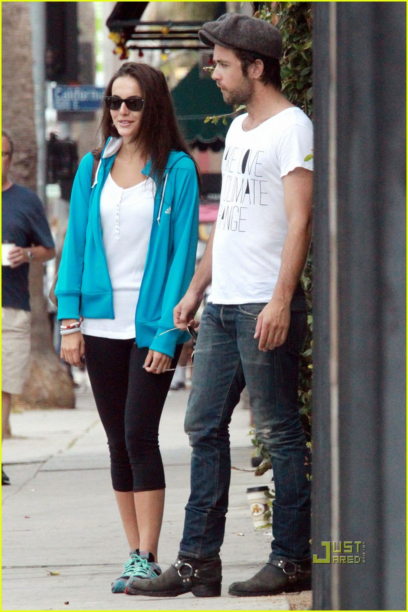 camilla belle justin chatwin brunch 022558621