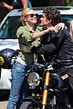 kate bosworth orlando bloom hug 04