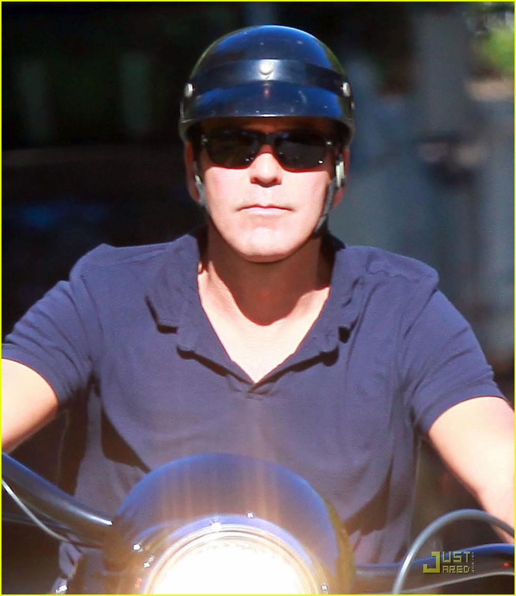 george clooney motorcycle 02