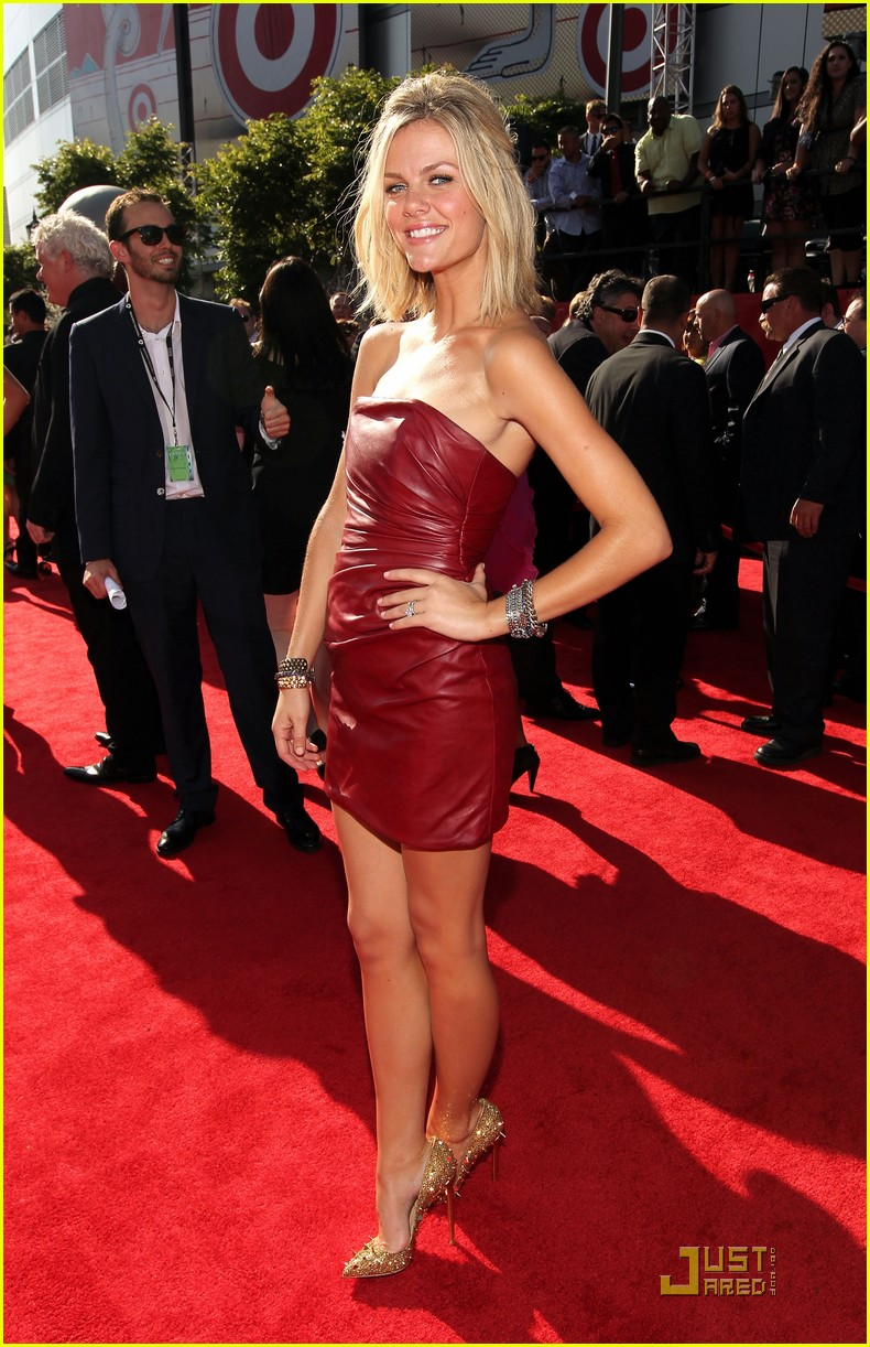 brooklyn decker espy awards 2011 01