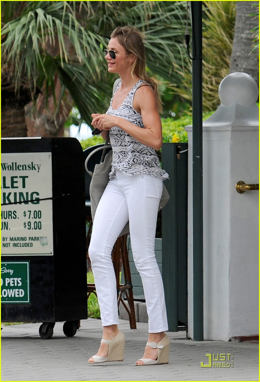 cameron diaz celebrates alex rodriguez birthday 01