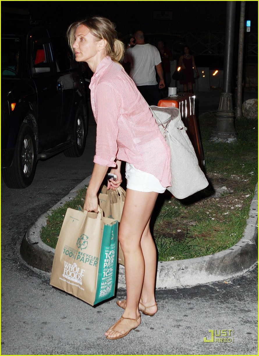 cameron diaz alex shopping 02