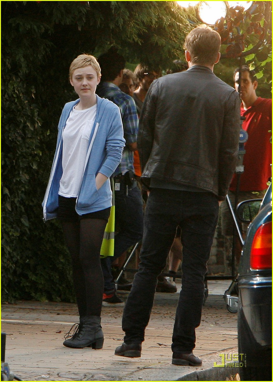 dakota fanning short hair 032560188