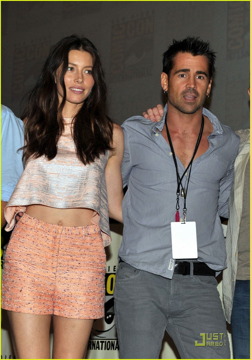 colin farrell jessica biel total recall at comic con 02