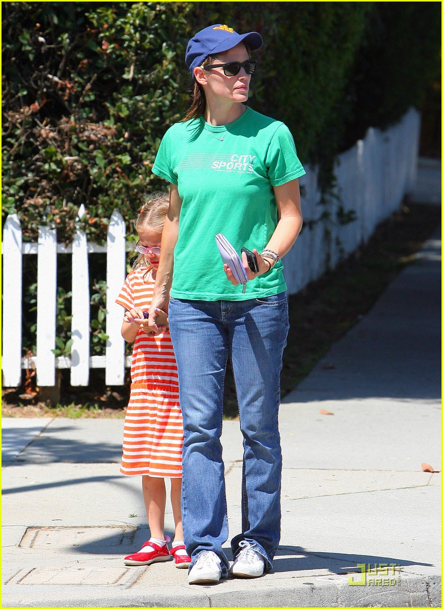 jennifer garner playdate with violet 04