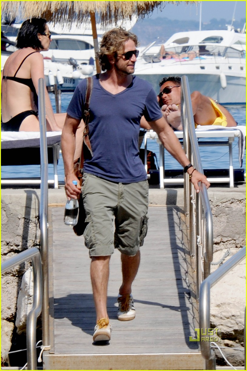 gerard butler boat july 10 04