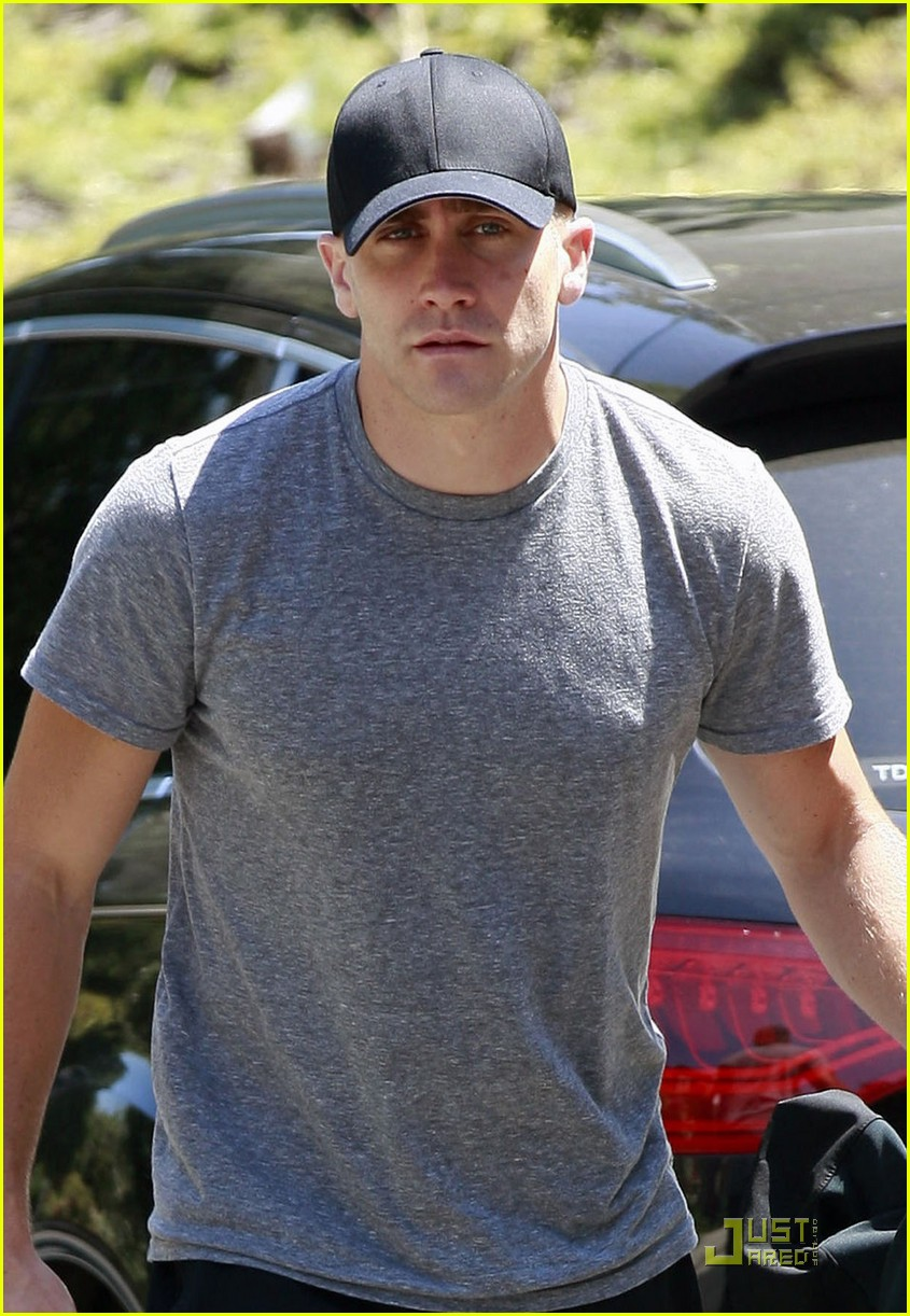 jake gyllenhaal los feliz workout 02