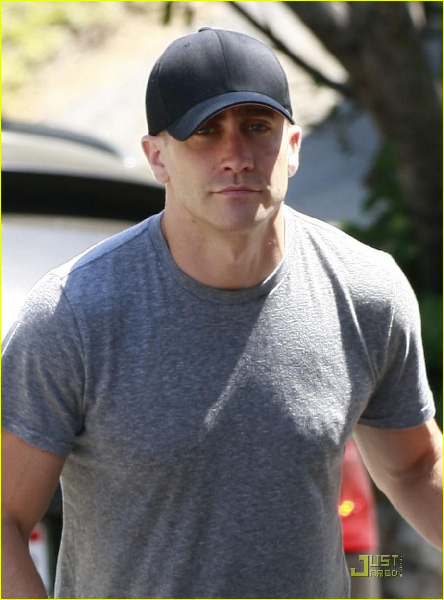 jake gyllenhaal los feliz workout 04