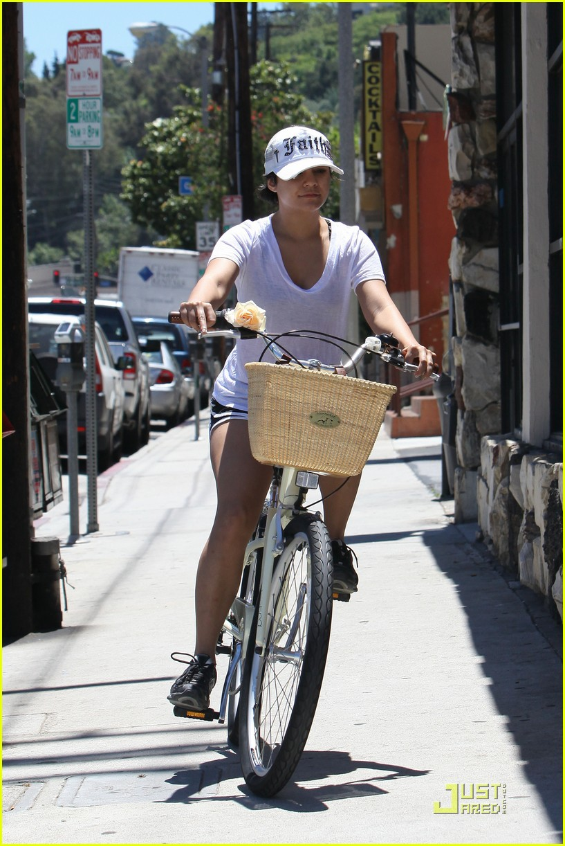 vanessa hudgens bike ride stella 03