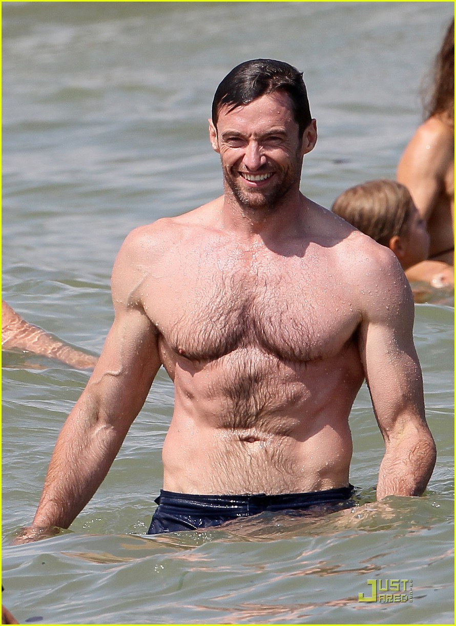hugh jackman shirtless st tropez 02