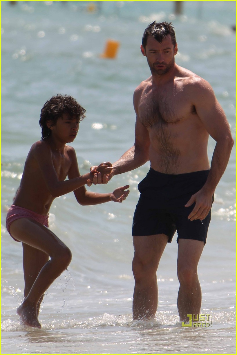 hugh jackman shirtless st tropez 03