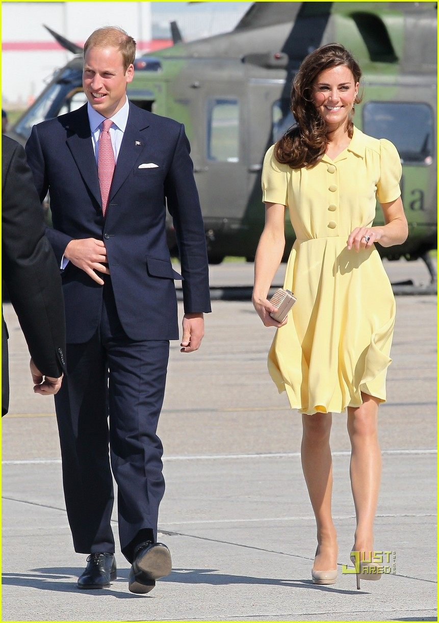 prince william kate calgary airport 06