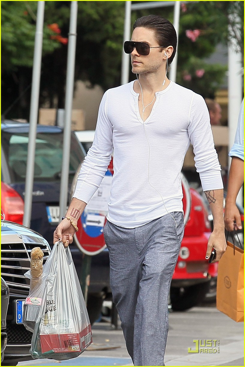 jared leto shopping st tropez 02