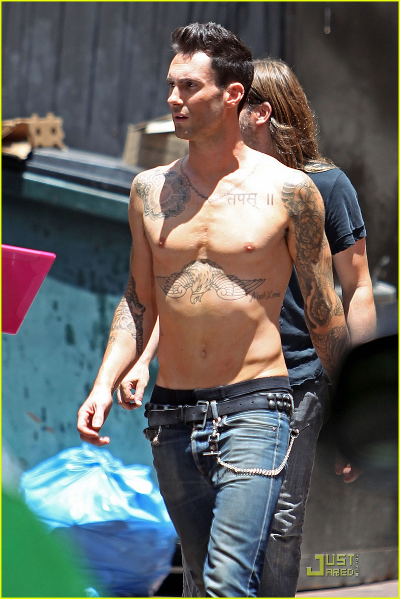 adam levine shirtless on music video set 05