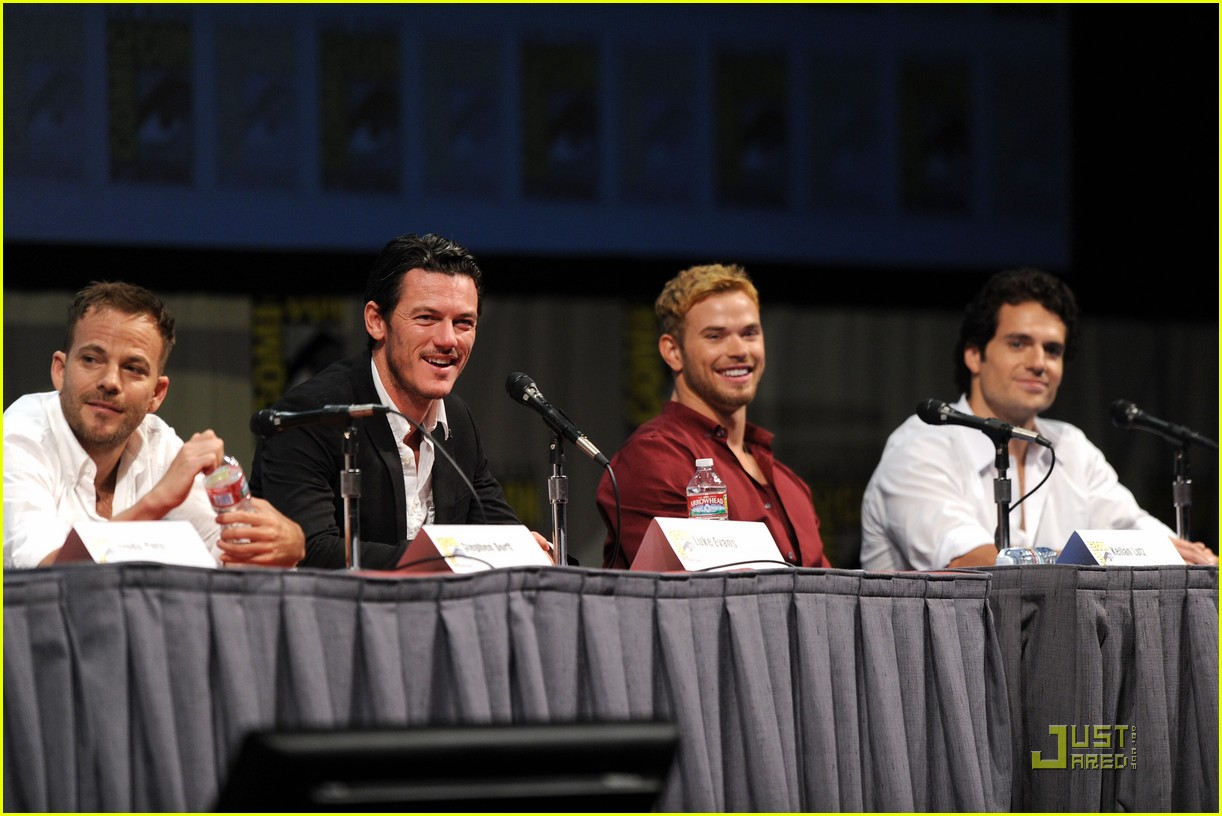 kellan lutz henry cavill immortals at comic con 13
