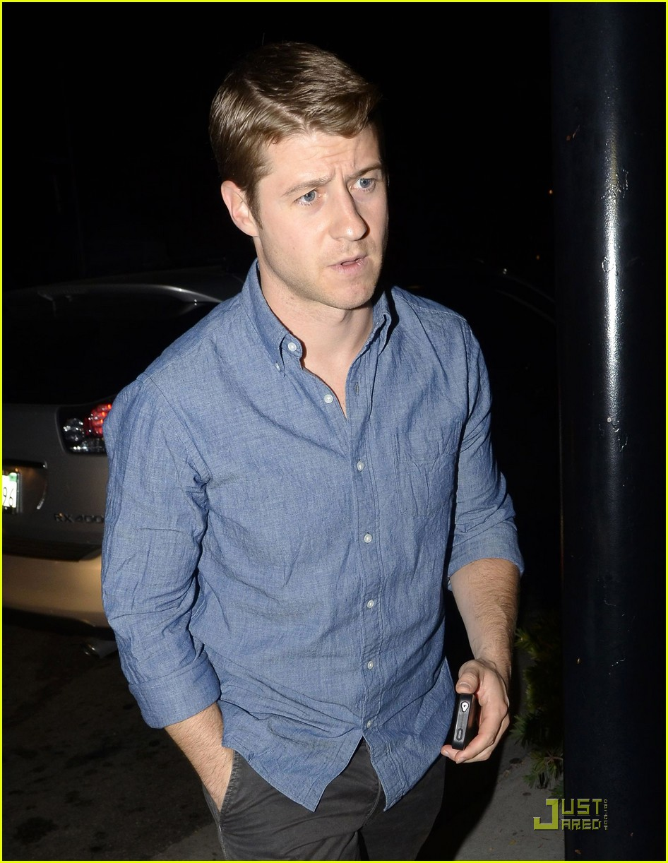 ben mckenzie dinner out 04