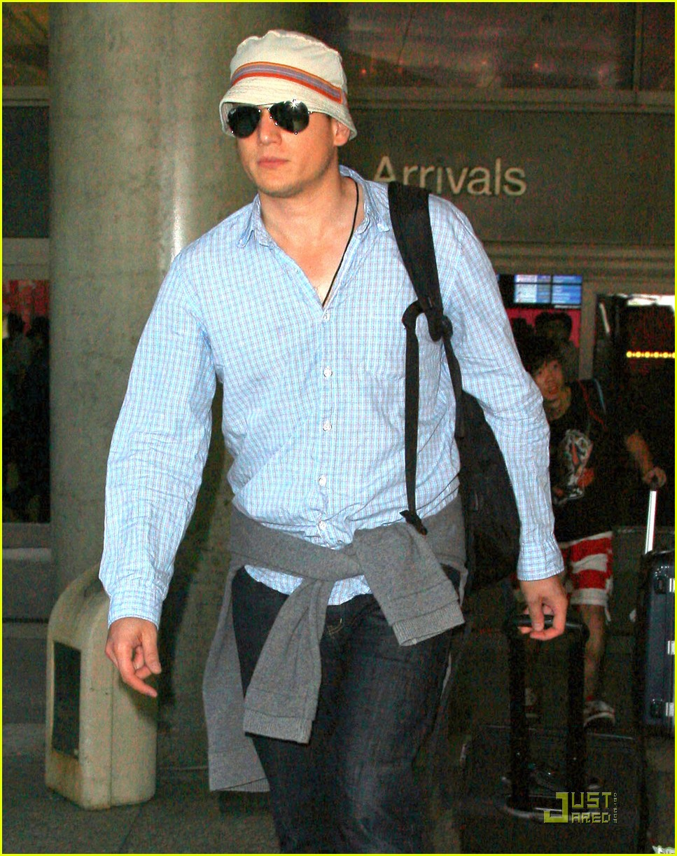 wentworth miller stoker finds a cast 04